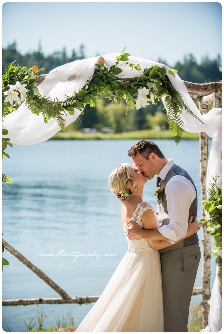 Bellingham Wedding Photography Sudden Valley Dance Barn Wedding Jon Brignet Congo Congster_0043