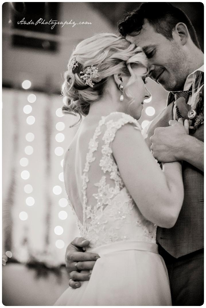 Bellingham Wedding Photography Sudden Valley Dance Barn Wedding Jon Brignet Congo Congster_0074