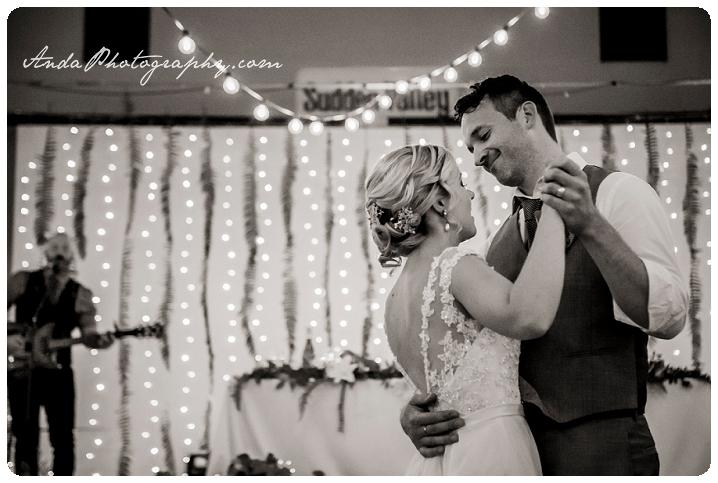 Bellingham Wedding Photography Sudden Valley Dance Barn Wedding Jon Brignet Congo Congster_0076