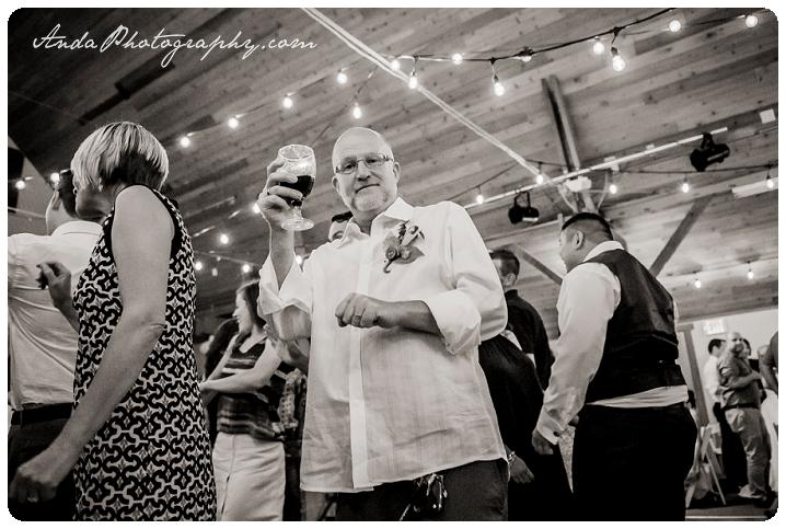 Bellingham Wedding Photography Sudden Valley Dance Barn Wedding Jon Brignet Congo Congster_0080