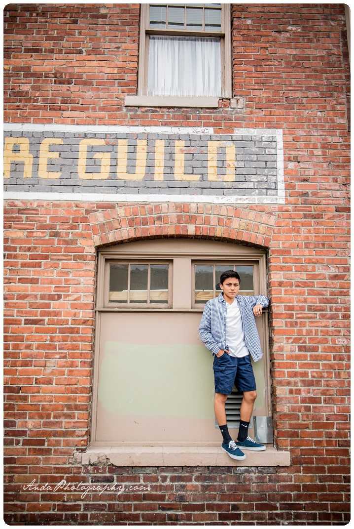 Bellingham Senior Portrait Photography Urban Downtown Guy Senior Photos Julio_0012