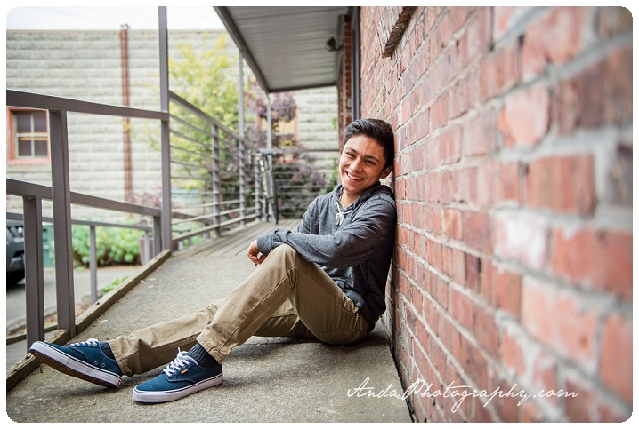 Bellingham Senior Portrait Photography Urban Downtown Guy Senior Photos Julio_0015