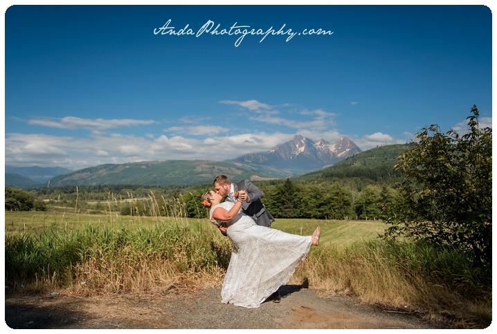 Bellingham Wedding Photography Backyard Wedding Lifestyle Photography Unrein Bison_0050