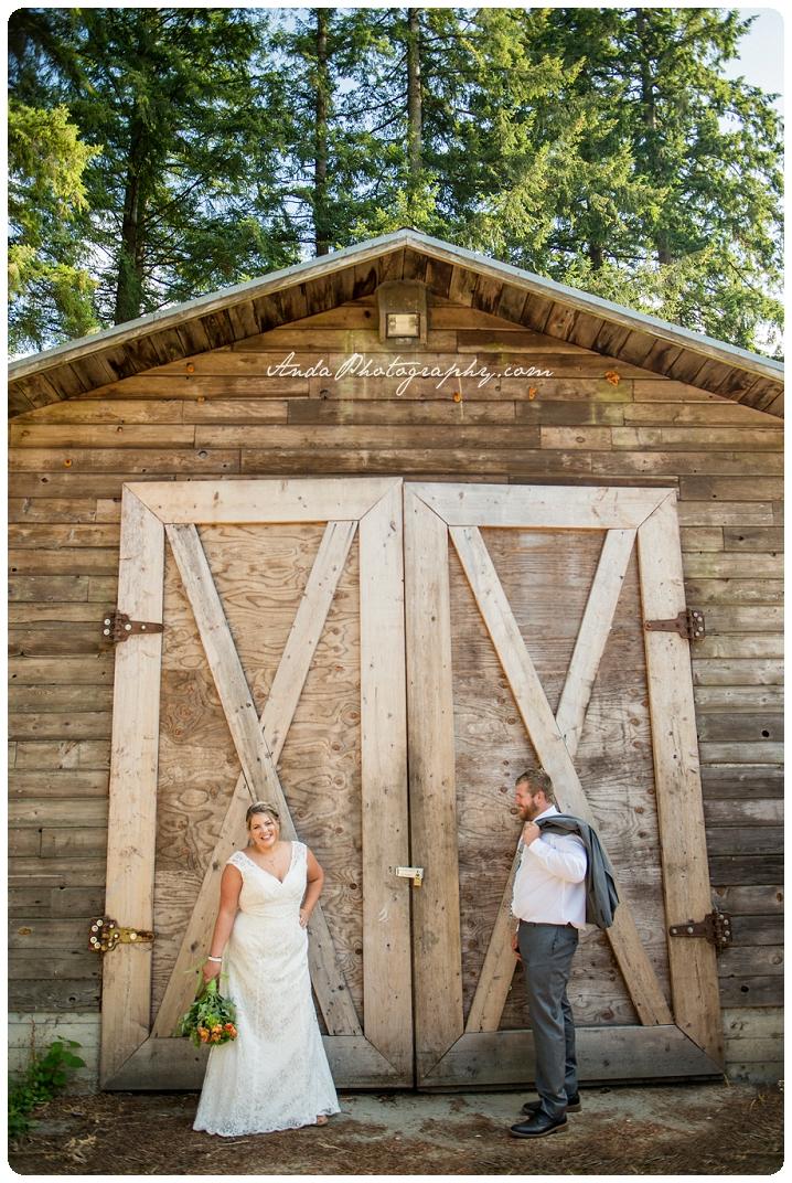 Bellingham Wedding Photography Backyard Wedding Lifestyle Photography Unrein Bison_0052