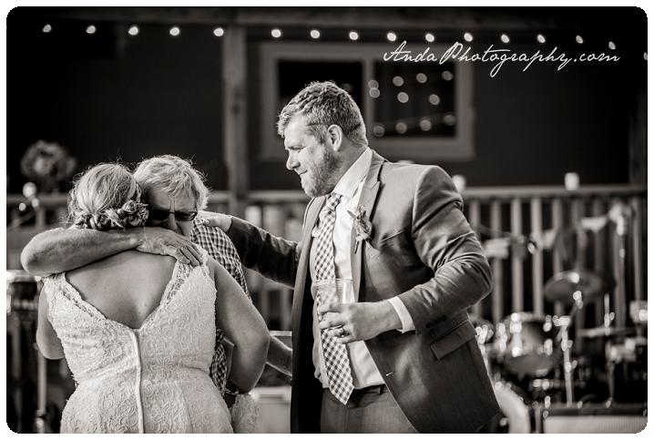 Bellingham Wedding Photography Backyard Wedding Lifestyle Photography Unrein Bison_0070