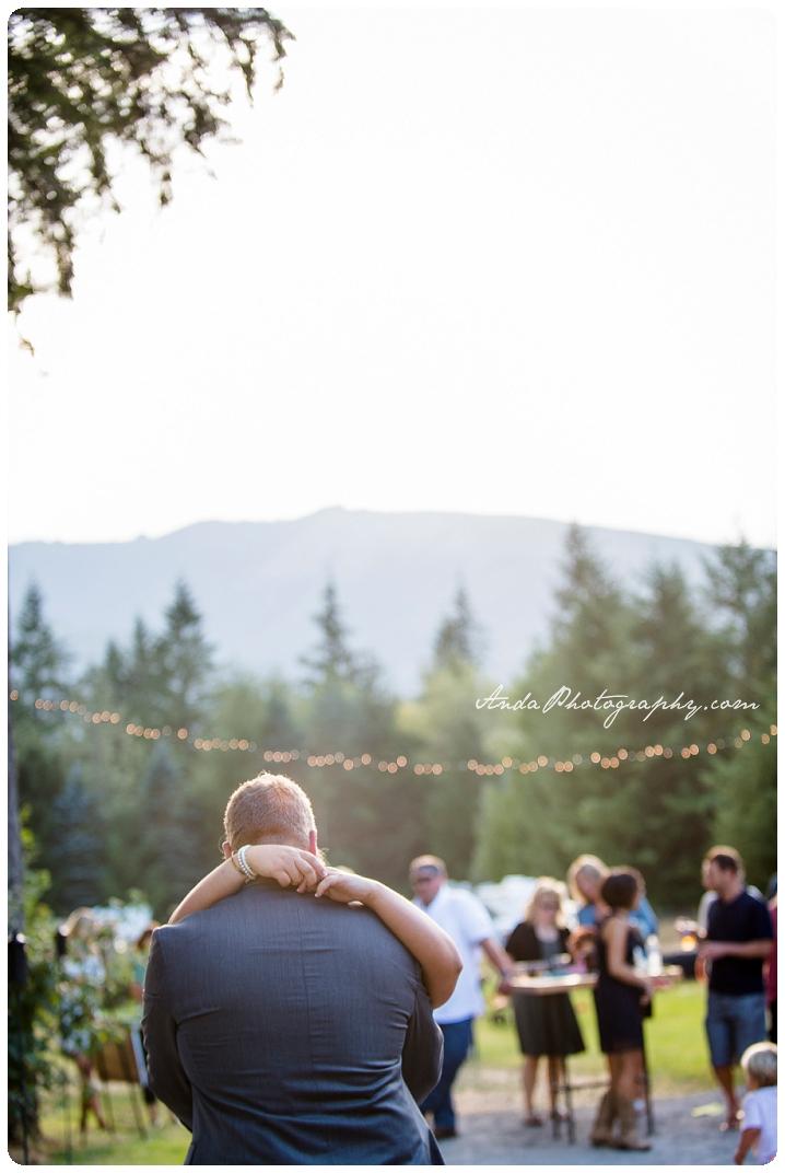 Bellingham Wedding Photography Backyard Wedding Lifestyle Photography Unrein Bison_0079