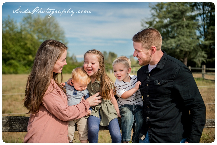 bellingham-family-portrait-photography-ferndale-hovander-park-family-photos-pullman_0011