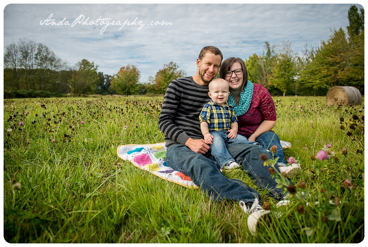 Bellingham family photographer Bellingham child photography lifestyle family photography Anda Photography hanna andrew caleb family park photos_0003