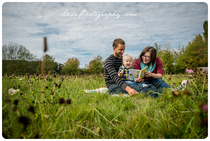 Bellingham family photographer Bellingham child photography lifestyle family photography Anda Photography hanna andrew caleb family park photos_0007b