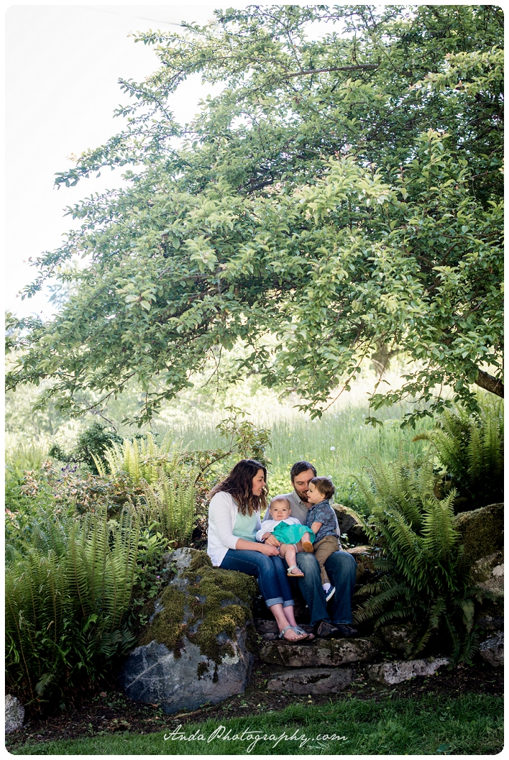 Bellingham family photographer Woodstock Farms family photos outdoor rural photos Barnett_0002