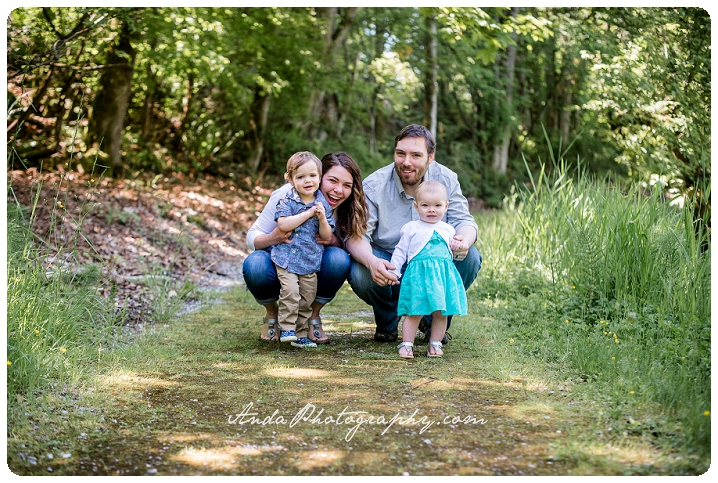 Bellingham family photographer Woodstock Farms family photos outdoor rural photos Barnett_0009