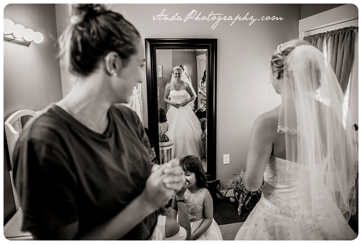 Bellingham wedding photographer Seattle wedding photographer Axton Events wedding photos photojournalistic wedding photography_0007