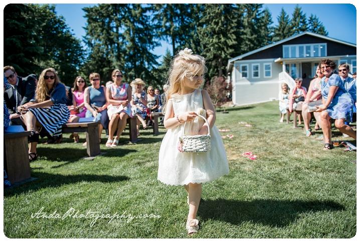 Bellingham wedding photographer Seattle wedding photographer Trinity Tree Fam wedding lifestyle wedding photography photojournalistic wedding photography_0025