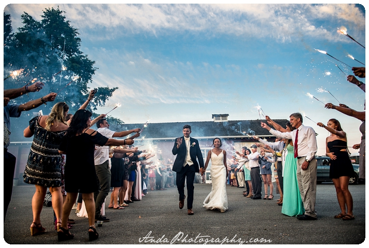 Bellingham wedding photographer Skagit wedding photographer Seattle wedding photographer Maplehurst Farm wedding lifestyle wedding photography photojournalistic wedding photography_0109
