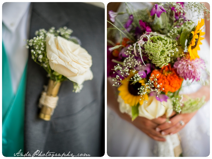 Bellingham wedding photographer Seattle wedding photographer Wine & Roses Estate wedding country chic wedding decor rustic country wedding photos_0028