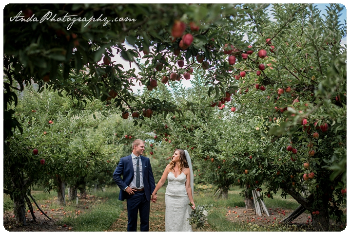 Bellingham wedding photographer Lake Chelan wedding photographer Anda Photography lifestyle wedding photography Greens Landing Wedding_0021