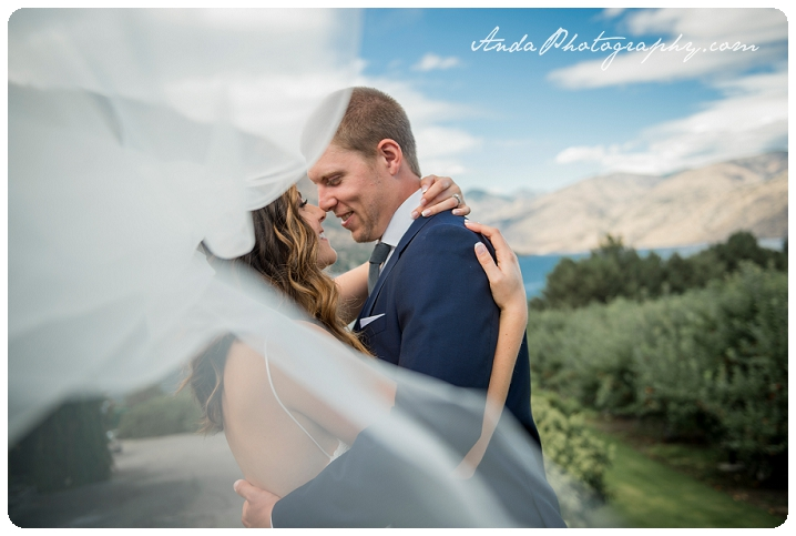 Bellingham wedding photographer Lake Chelan wedding photographer Anda Photography lifestyle wedding photography Greens Landing Wedding_0025