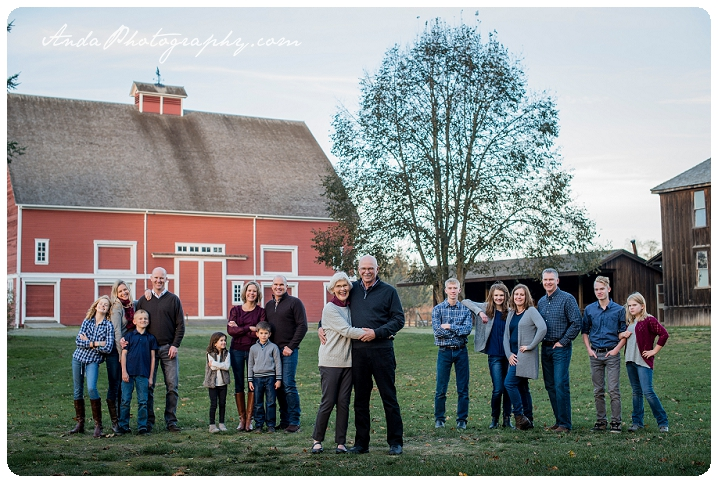 Bellingham family photographer extended family photos large family photography hovander park family photos sunset family photos bellingham lifestyle family photography_0001