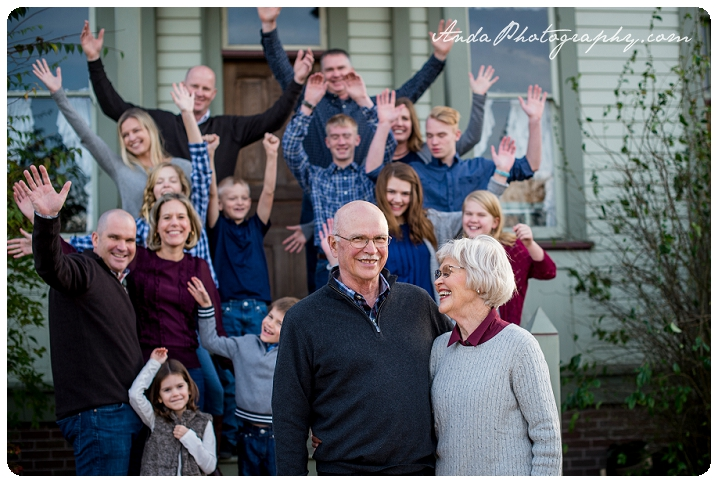 Bellingham family photographer extended family photos large family photography hovander park family photos sunset family photos bellingham lifestyle family photography_0002