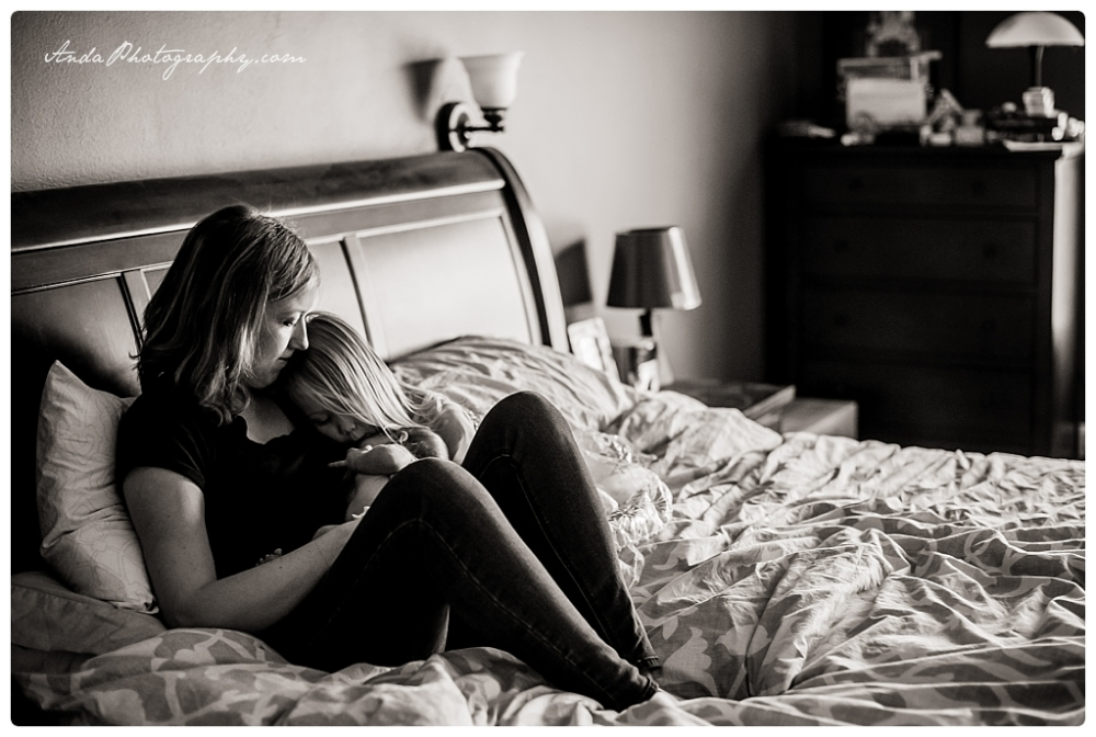 Anda Photography Bellingham lifestyle newborn photographer In home newborn photography_0004