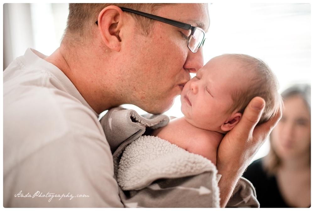 Anda Photography Bellingham lifestyle newborn photographer In home newborn photography_0005