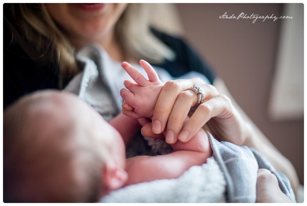 Anda Photography Bellingham lifestyle newborn photographer In home newborn photography_0010