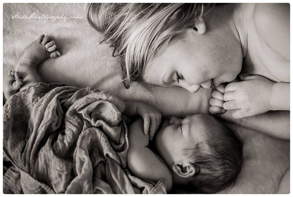 Anda Photography Bellingham lifestyle newborn photographer In home newborn photography_0014