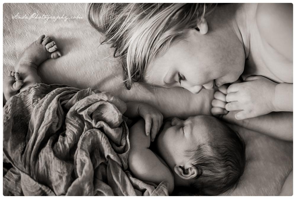 Anda Photography Bellingham lifestyle newborn photographer In home newborn photography_0014