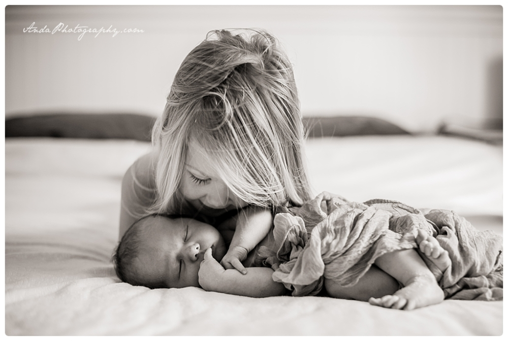 Anda Photography Bellingham lifestyle newborn photographer In home newborn photography_0021