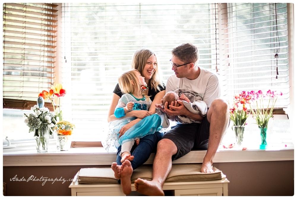 Anda Photography Bellingham lifestyle newborn photographer In home newborn photography_0024