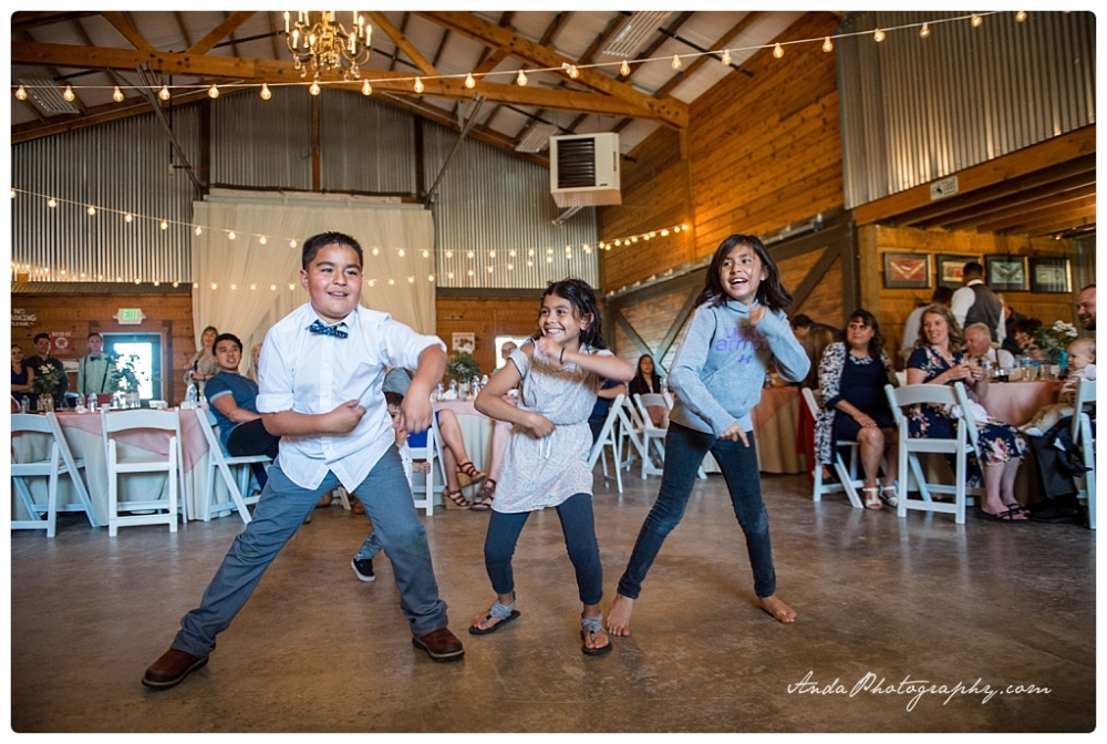 Anda Photography Bellingham wedding photographer seattle wedding photographer Hammer Ranch wedding_0123