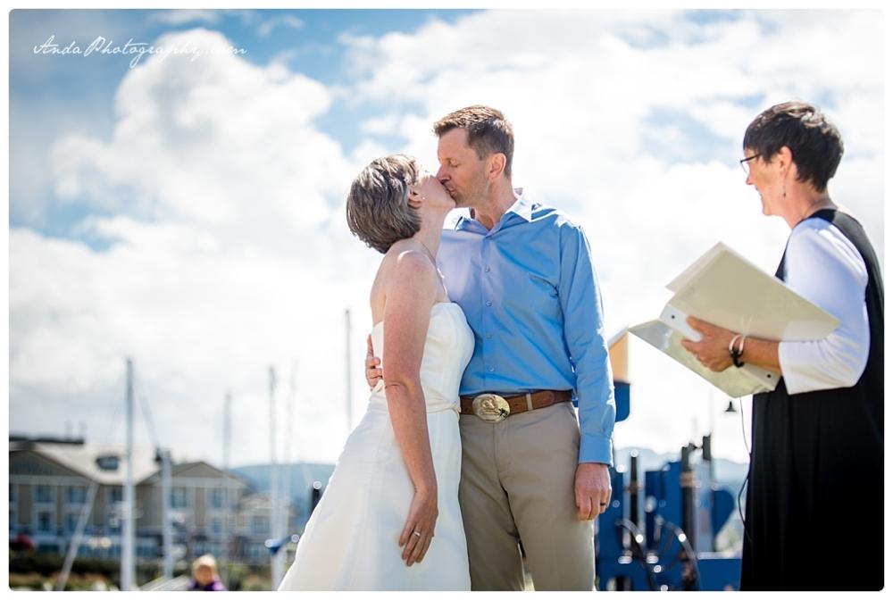 Anda Photography Bellingham wedding photographer seattle wedding photographer lifestyle wedding photographer Zuanich Park wedding Little Squalicum Boathouse wedding_0016
