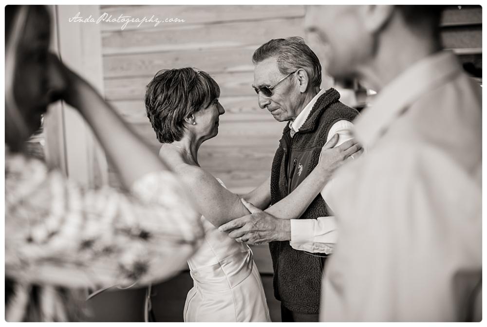 Anda Photography Bellingham wedding photographer seattle wedding photographer lifestyle wedding photographer Zuanich Park wedding Little Squalicum Boathouse wedding_0018