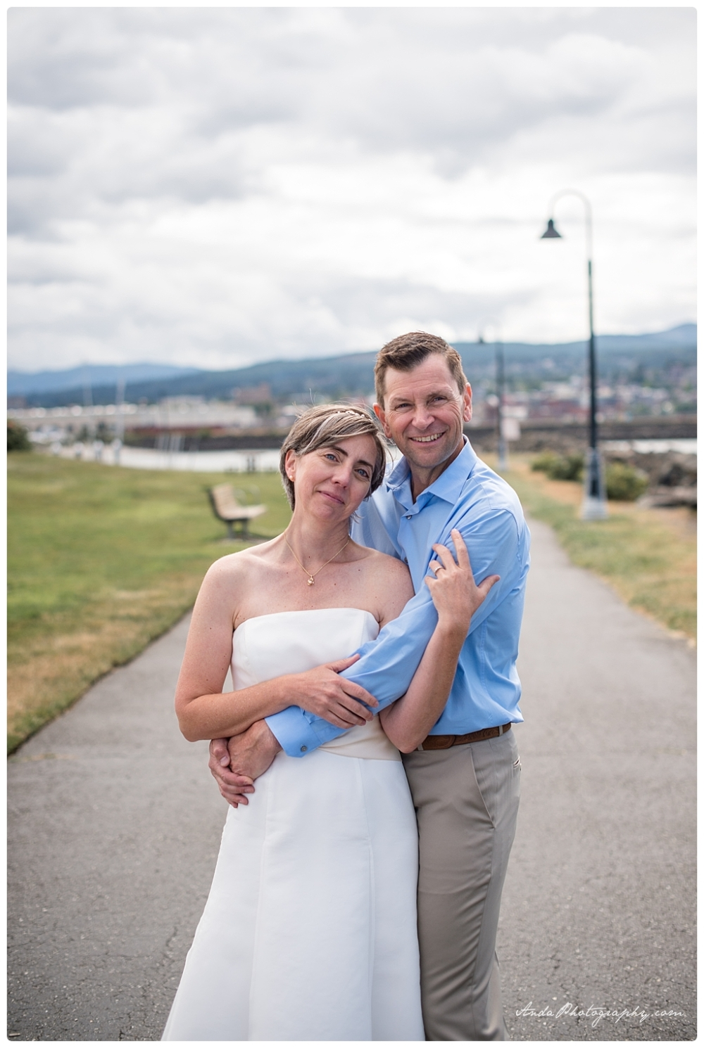 Anda Photography Bellingham wedding photographer seattle wedding photographer lifestyle wedding photographer Zuanich Park wedding Little Squalicum Boathouse wedding_0024
