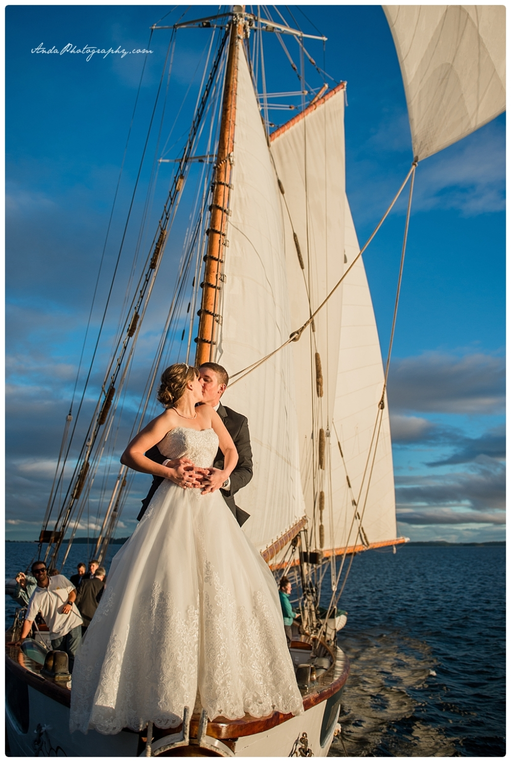 Anda Photography Bellingham wedding photographer seattle wedding photographer Schooner Zodiak Wedding photos_0032