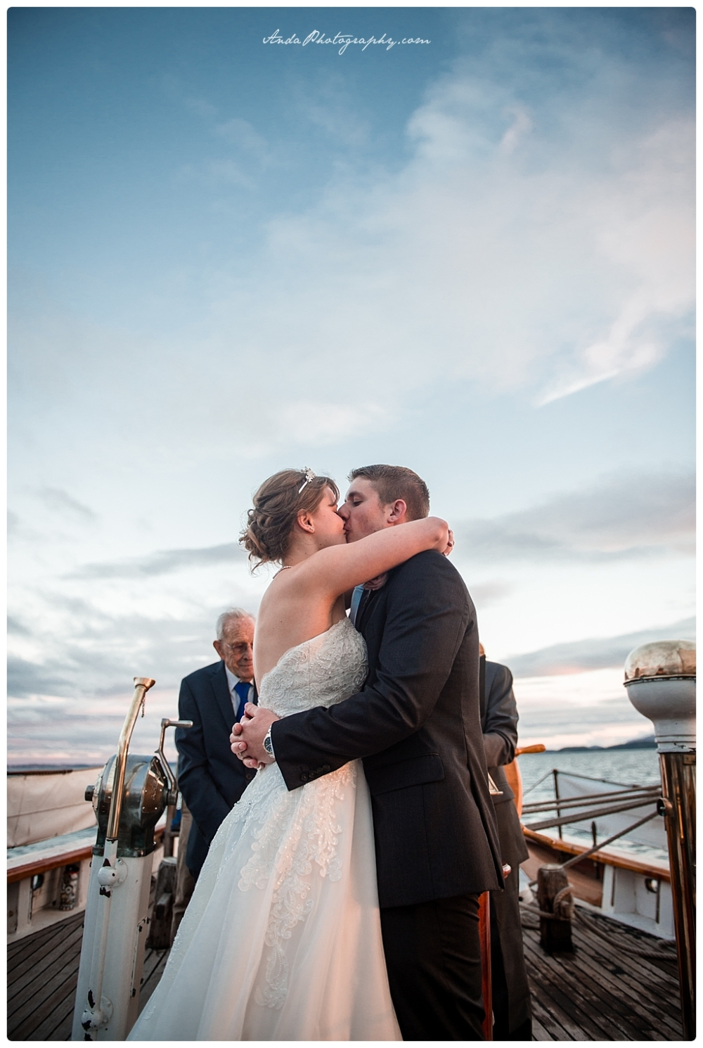 Anda Photography Bellingham wedding photographer seattle wedding photographer Schooner Zodiak Wedding photos_0049