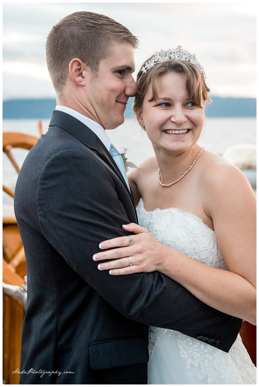 Anda Photography Bellingham wedding photographer seattle wedding photographer Schooner Zodiak Wedding photos_0050