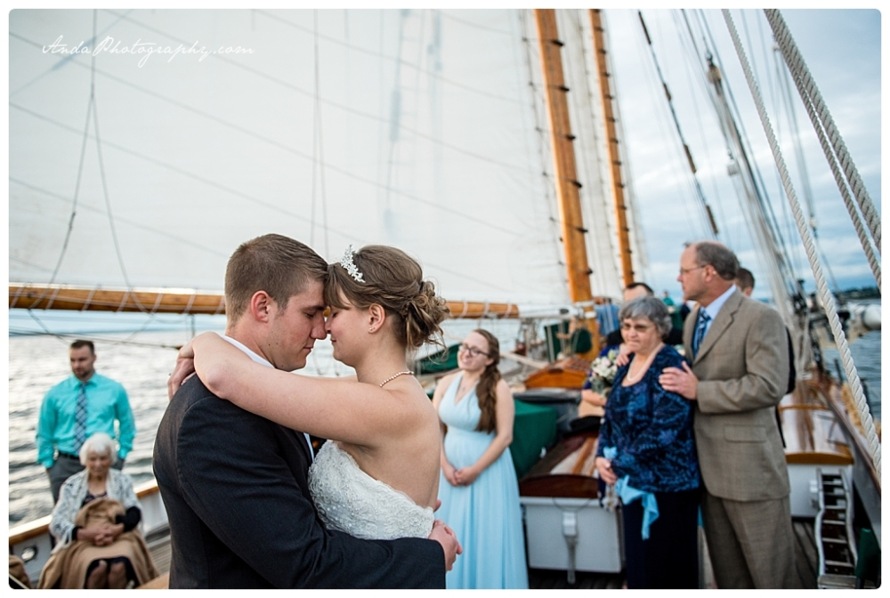 Anda Photography Bellingham wedding photographer seattle wedding photographer Schooner Zodiak Wedding photos_0051