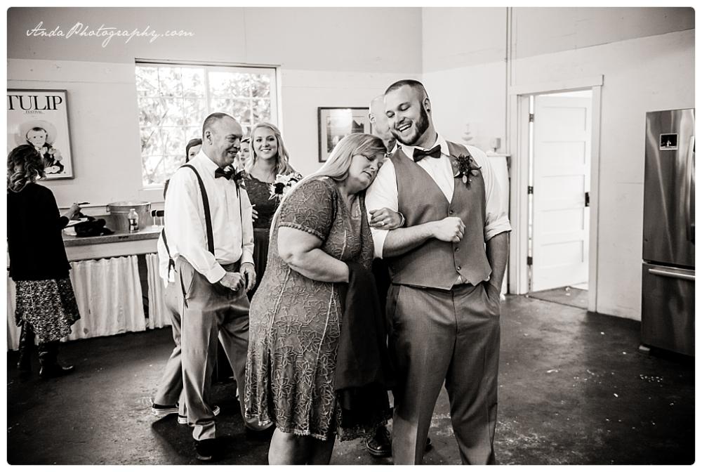 Anda Photography Bellingham wedding photography Bellingham lifestyle wedding photographer Maplehurst Farms_0052