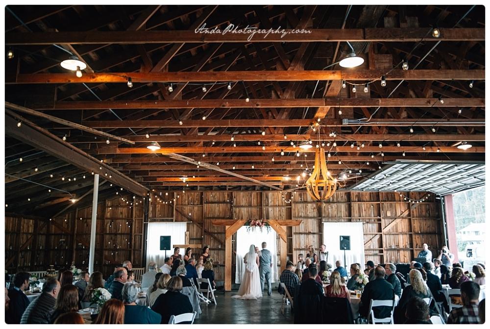 Anda Photography Bellingham wedding photography Bellingham lifestyle wedding photographer Maplehurst Farms_0056