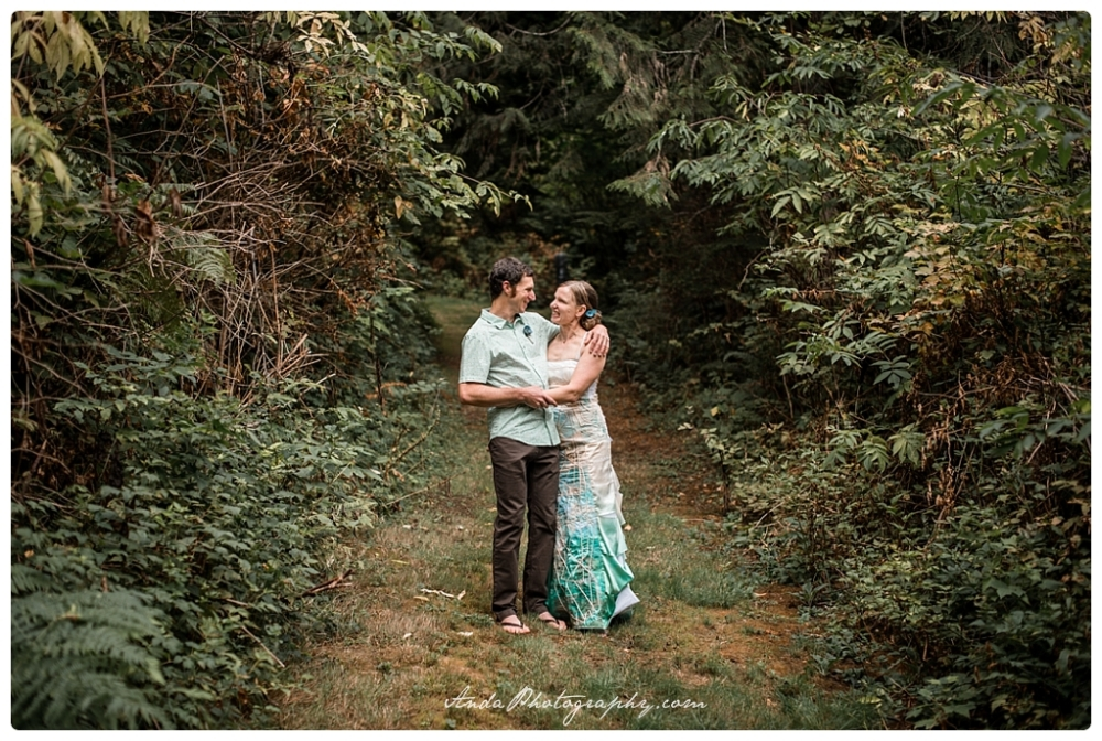 Anda Photography Bellingham wedding photography Bellingham lifestyle wedding photographer Moon Mountain Ranch wedding_0011