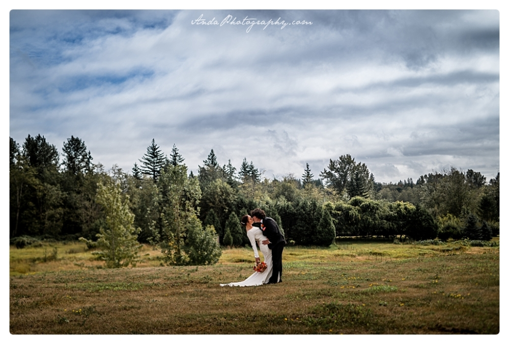 Anda Photography Bellingham wedding photographer backyard Wedding lifestyle wedding photographer Seattle Wedding Photographer_0044