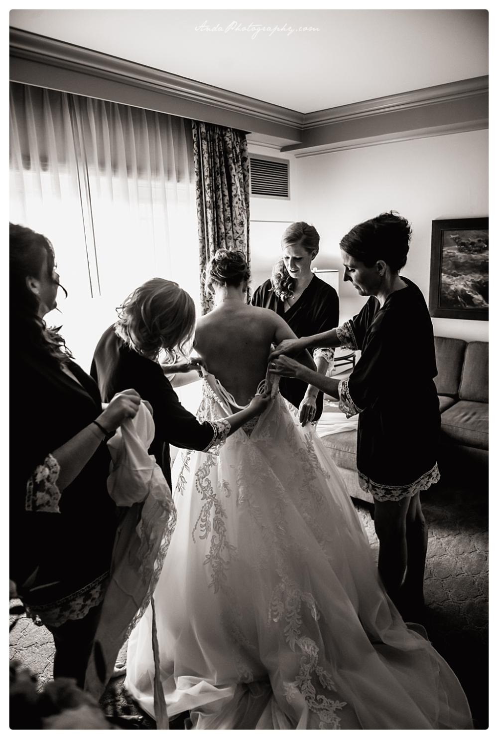 Anda Photography Bellingham wedding photographer Bellingham Yacht Club Wedding lifestyle wedding photographer Seattle Wedding Photographer_0003