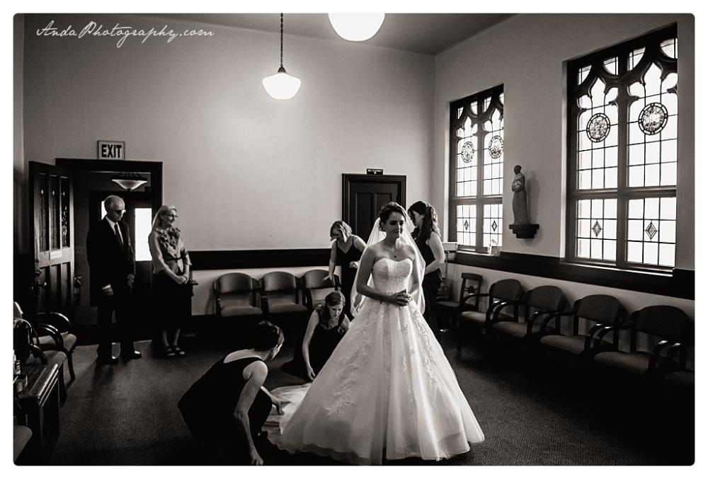 Anda Photography Bellingham wedding photographer Bellingham Yacht Club Wedding lifestyle wedding photographer Seattle Wedding Photographer_0016