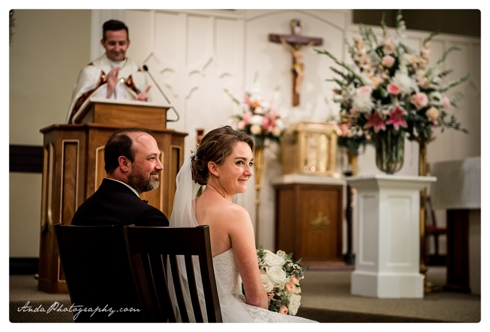 Anda Photography Bellingham wedding photographer Bellingham Yacht Club Wedding lifestyle wedding photographer Seattle Wedding Photographer_0028