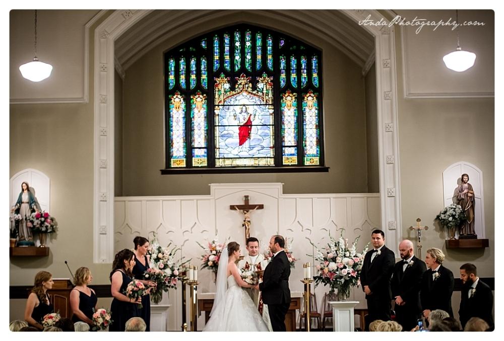 Anda Photography Bellingham wedding photographer Bellingham Yacht Club Wedding lifestyle wedding photographer Seattle Wedding Photographer_0033
