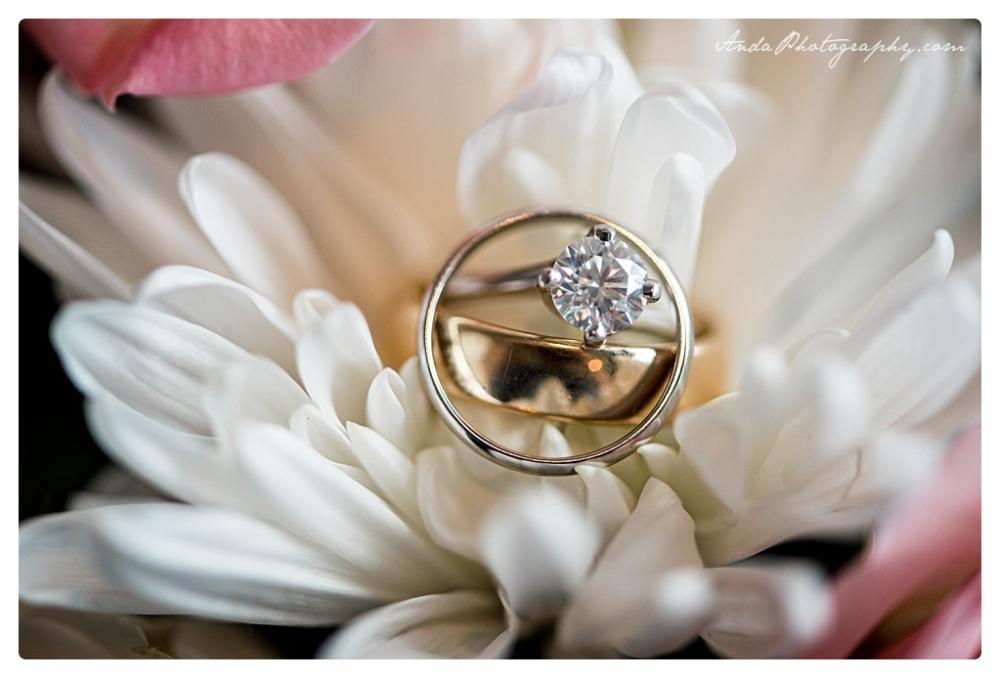 Anda Photography Bellingham wedding photographer Bellingham Yacht Club Wedding lifestyle wedding photographer Seattle Wedding Photographer_0037