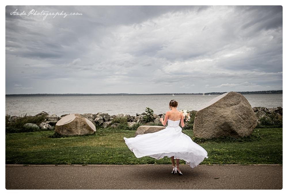 Anda Photography Bellingham wedding photographer Bellingham Yacht Club Wedding lifestyle wedding photographer Seattle Wedding Photographer_0049