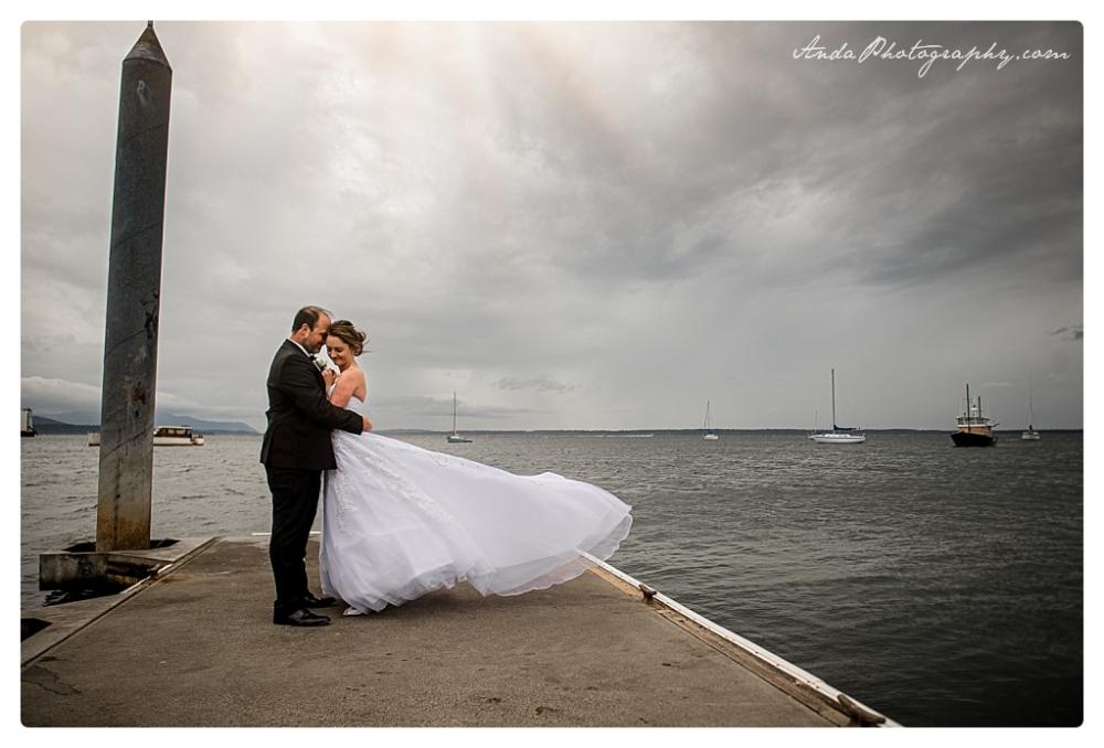 Anda Photography Bellingham wedding photographer Bellingham Yacht Club Wedding lifestyle wedding photographer Seattle Wedding Photographer_0056