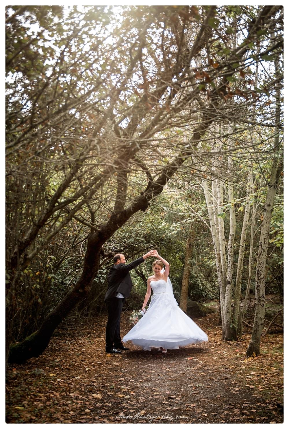 Anda Photography Bellingham wedding photographer Bellingham Yacht Club Wedding lifestyle wedding photographer Seattle Wedding Photographer_0057
